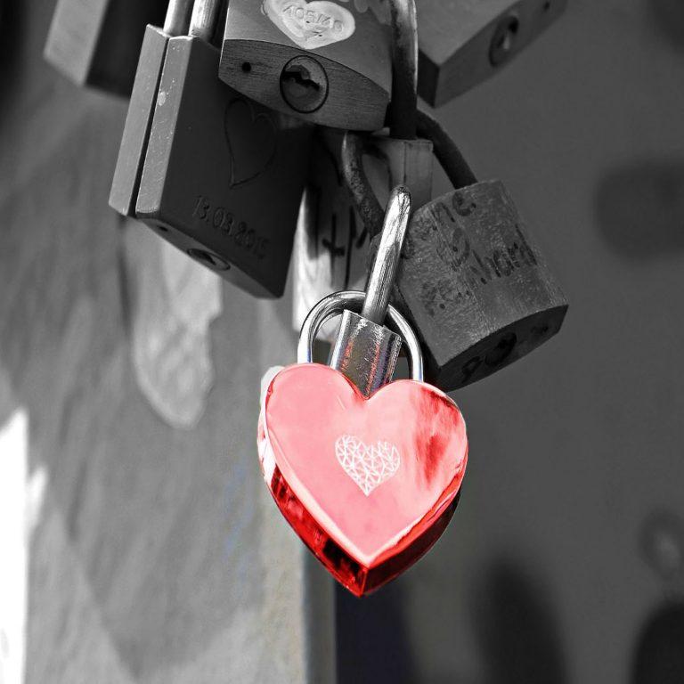 cadenas-amour-rituel-magie-rouge 2